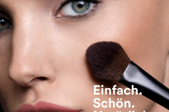 Make-up mit geheimnisvollem Glow-Effekt