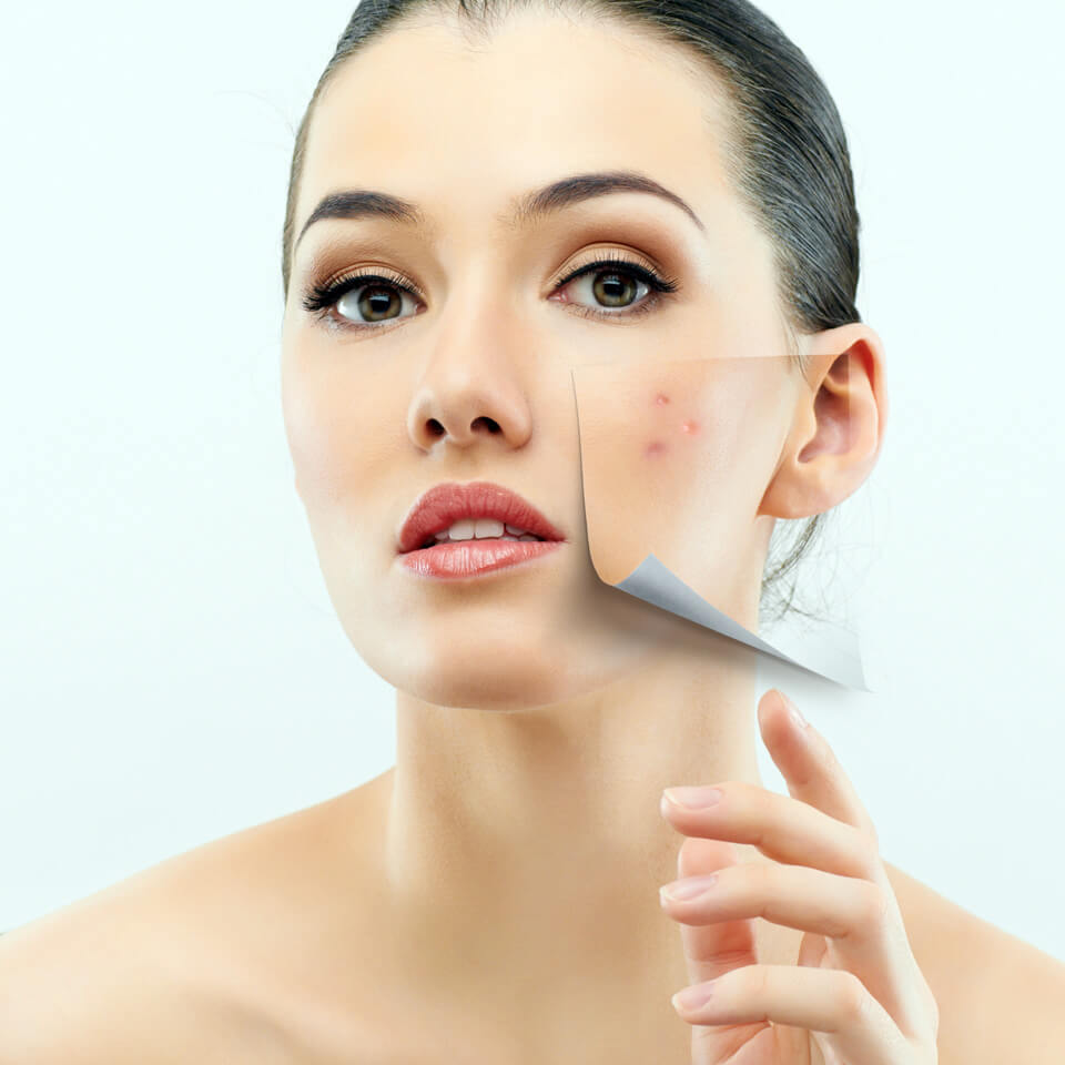 Dermokosmetik: Regeneration der Gesichtshaut. Copyright: Konstantin Yuganov (fotolia #40478714)