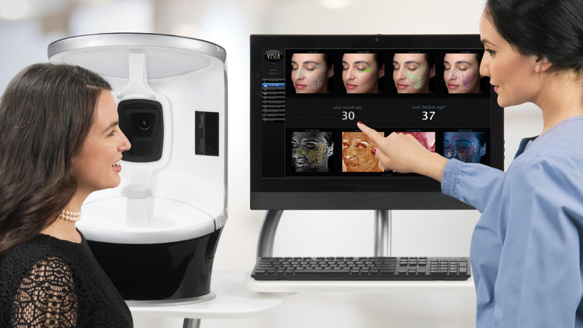 Analysegespräch 3D-Hautanalyse. Copyright: VISIA