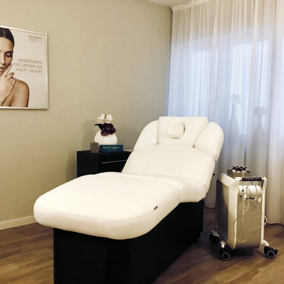 Behandlungsliege Kosmetik: Fotografin: Yvonne Kornas