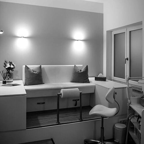 Salon pure anne: Behandlungsplatz Spa Pedicure. Fotograf: Phil Horn